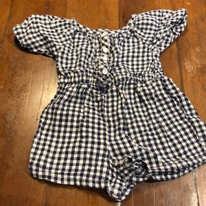 Old navy size 2T girls onesy